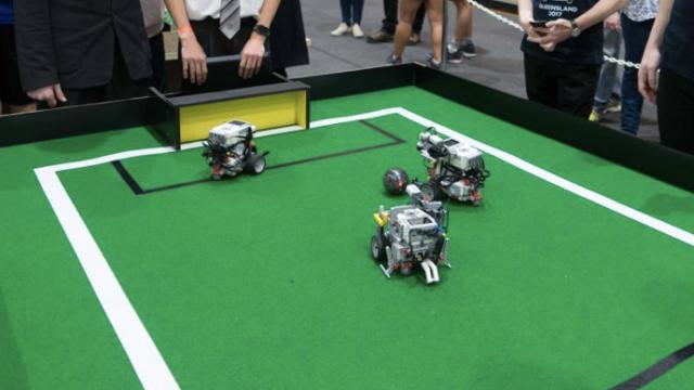 Robotics and F1